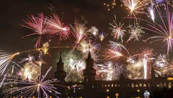 In einem normalen Jahr würden heute Abend fast überall auf der Welt Feuerwerke gezündet. Im Coronajahr wird Silvester jedoch kaum wild.