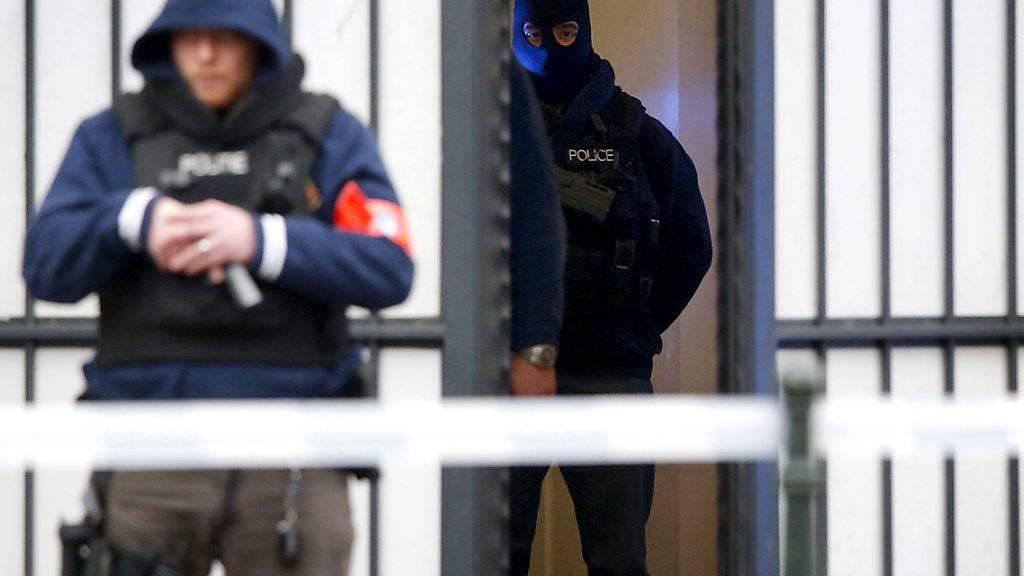 Scharf bewachtes Gerichtsgebäude, wo Salah Abdeslam am Donnerstag eine Anhörung hatte