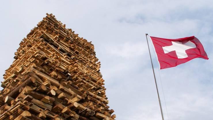Das Freiheitsfeuer und Fahne auf der Holzfluh. Dieses Jahr brannte es nicht – auch nicht eine kleinere Version. (Archiv)