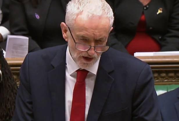 Jeremy Corbyn fordert Mays sofortigen Rücktritt.