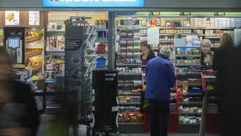 Mehr Lohn für Verkaufspersonal: Der Kioskkonzern Valora hat sich mit den Sozialpartnern geeinigt. (Symbolbild)