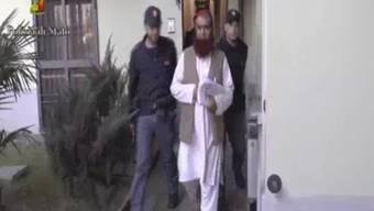 Die italienische Anti-Terror-Polizei hat eine terroristische Gruppe verhaftet, die offenbar einen Anschlag auf den Vatikan plante.