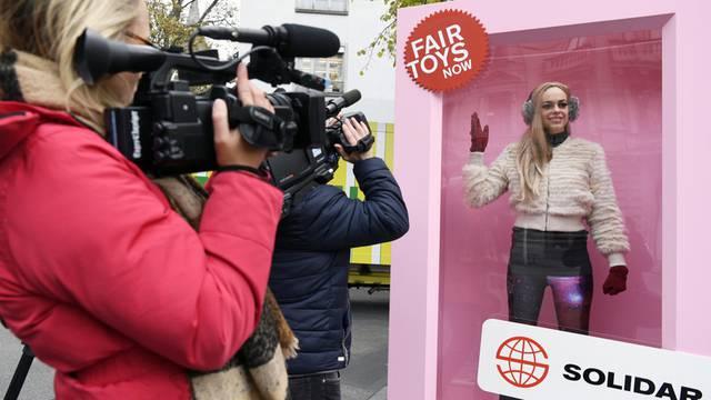 Lebendige Barbie für faire Spielzeuge