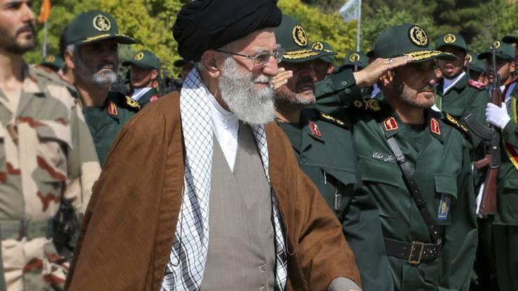 Ajatollah Ali Chamenei verbietet Atominspektionen auf Militäergelände