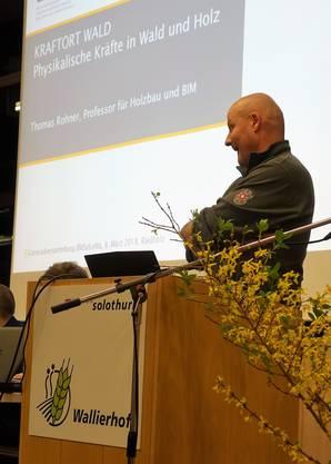 Redner Thomas Rohner ist Professor für Holzbau und BIM an der Berner Fachhochschule in Biel.