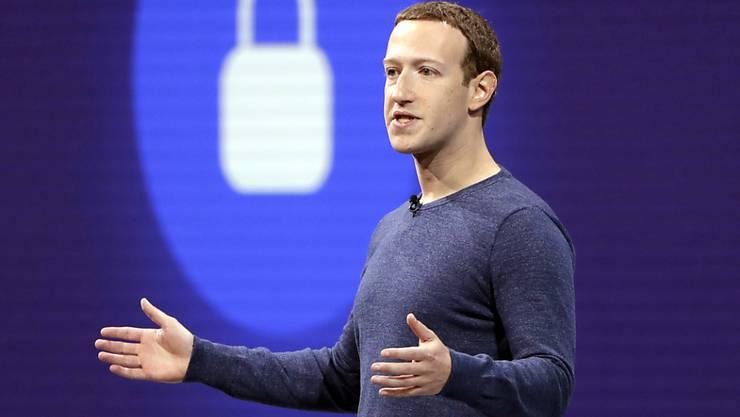 Der öffentliche Druck auf Facebook-CEO Mark Zuckerberg hat seit dem Datenskandal um Cambridge Analytica weiter zugenommen. (Archivbild)