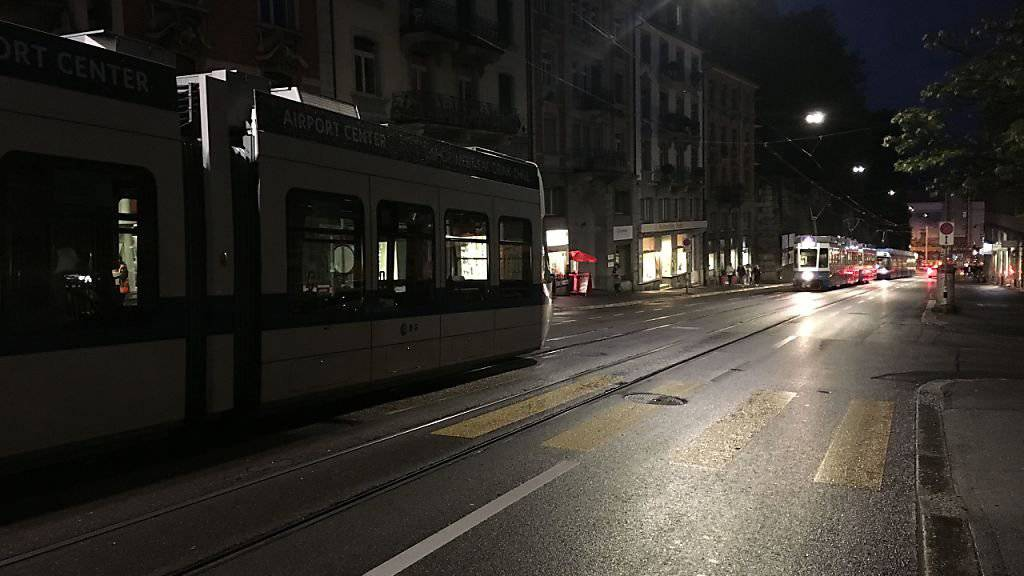 Ungewohntes Bild: Nach einem Stromausfall blieben in Zürich viele Trams stehen.