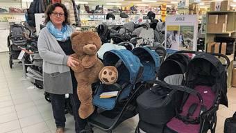 Für «Mac Baby»-Inhaberin Monika Meier (fürs Bild ohne Maske) ist die Regelung ein Hohn.