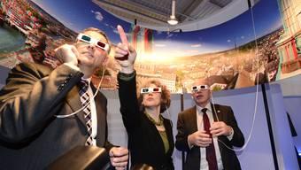 2012 gabs an der Muba 3D-Ansichten von Zürich zu sehen – an der Fantasy Basel laufen weit auffälligere Gestalten herum als diese drei 3D-bebrillten. (Archiv)