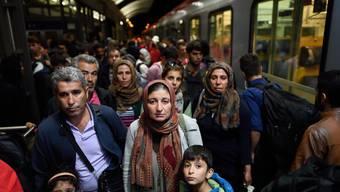 Die EU-Kommission möchte, dass sich auch die Schweiz am permanenten Verteilmechanismus für Flüchtlinge beteiligt.