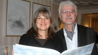 Der künftige Burgschreiber von Laufenburg, Markus Manfred Jung, plant mit seiner Frau, der Künstlerin Bettina Bohn, ein gemeinsames bibliophiles Werk. Jürgen Scharf