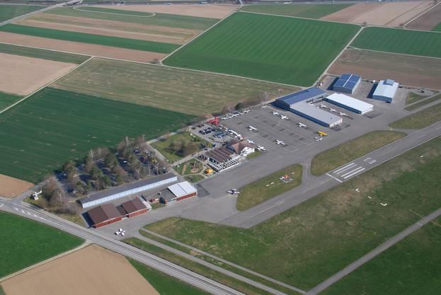 Die neue Maintenance auf dem Flugplatz Birrfeld ist eingeweiht.Der Flugplatz von oben.