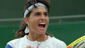 Die Argentinierin Gabriela Sabatini jubelt 1995 in Wimbledon über ihren Sieg in den Achtelfinals gegen die Amerikanerin Lisa Raymond