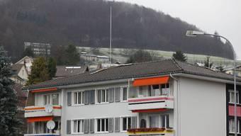 Chancenlos: Bei diesem Wohnblock in Gelterkinden können Antennengegner keine Verunstaltung geltend machen.  Bild: Frossard)