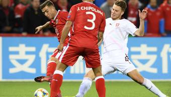 Wegen sportlichen Grossereignissen wie der Fussball-EM dürfte die Schweizer Wirtschaft im nächsten Jahr etwas schneller wachsen als in diesem Jahr. (Archiv)