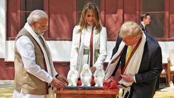 Nichts gesehen, nichts gehört, viel gesagt: Donald Trump bei Indiens Staatsführer Narendra Modi.