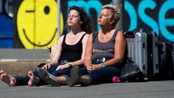 Holländische Touristinnen in Hannover während des jüngsten Streiks