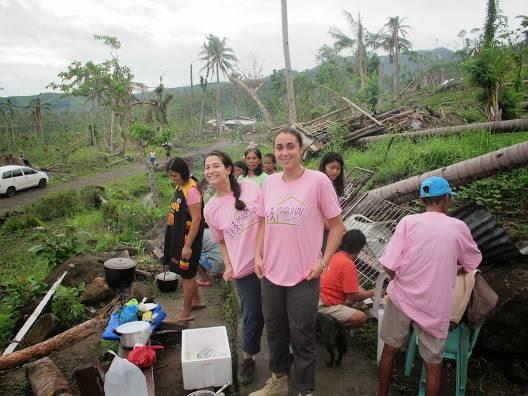 Eineinhalb Monate später flog die 27-jährige Mellingerin Arina Ajina ( in die vom Taifun zerstörte Region.