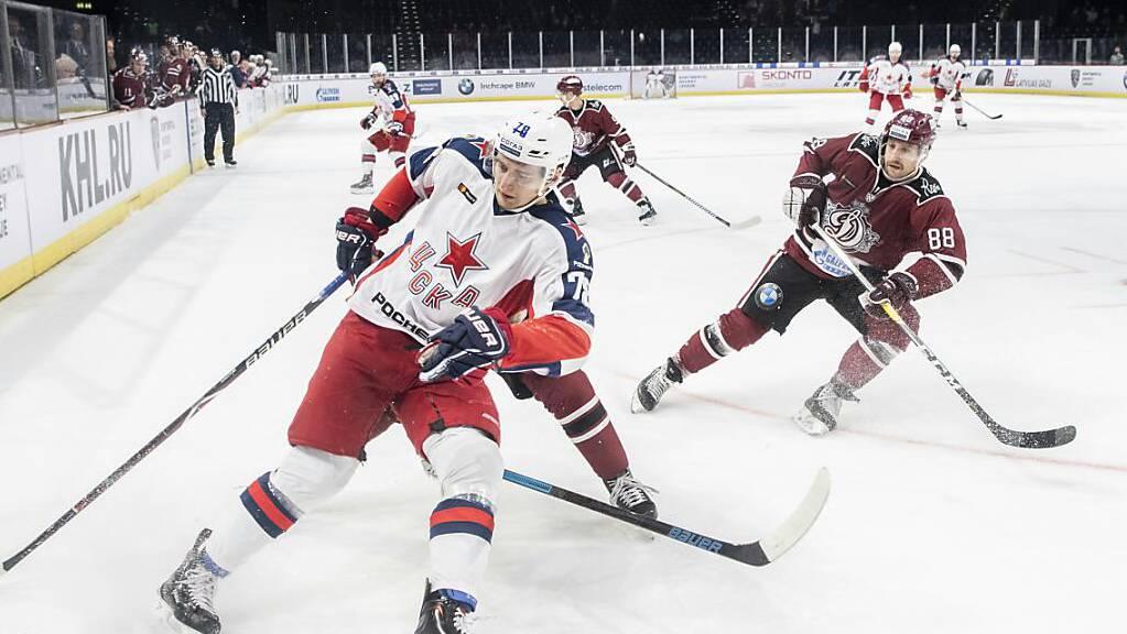 Brandon McMillan (rechts) spielte zuletzt in der KHL.