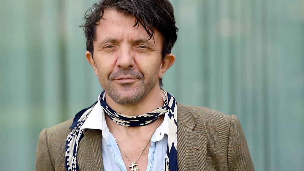 ARCHIV - Der Schauspieler David Bennent kommt am zu der Pressekonferenz zu den Nibelungen-Festspielen in Worms. Foto: Britta Pedersen/dpa-Zentralbild/dpa