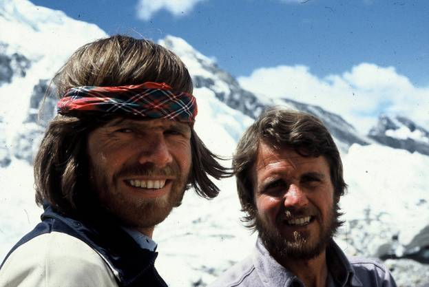 Reinhold Messner und Peter Habeler bestiegen 1978 den Mount Everest ohne mitgeführten Sauerstoff – Mediziner hielten das zuvor für unmöglich.
