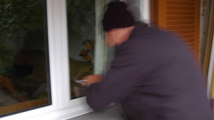 Einbrecher wurden in allen Fällen von Hausbewohnern überrascht. (Symbolbild)