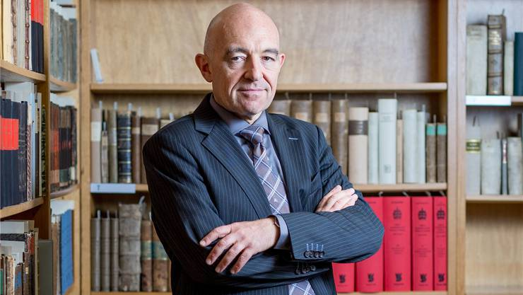 Daniel Jositsch in der alten juristischen Bibliothek der Universität Zürich: Er ist Gesetzgeber und -erklärer in Personalunion.