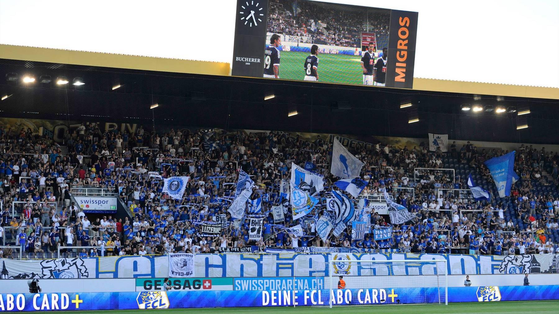Rund 600 FCL-Fans werden die Mannschaft in Schottland unterstützen.