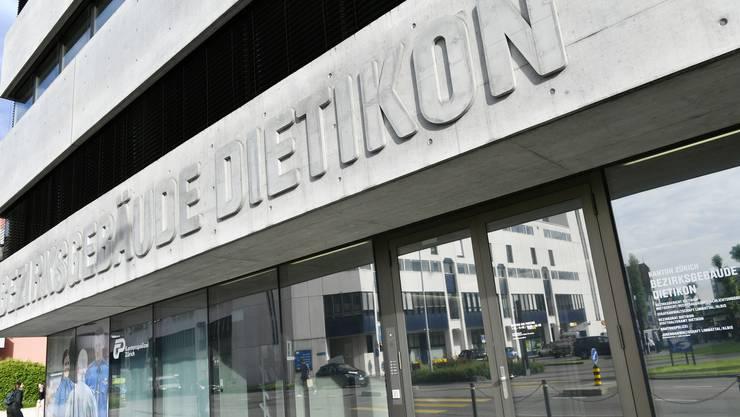 Das Bezirksgericht in Dietikon.