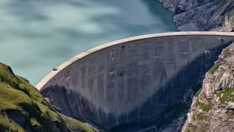 Im Nationalrat haben am Montag die geplanten Subventionen für Grosswasserkraftwerke erneut für Diskussionen gesorgt. Die Gegner unterlagen jedoch. (Symbolbild)