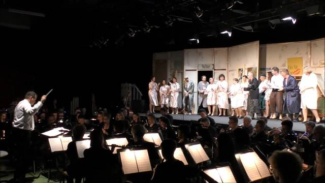 "Der Projektchor St. Martin führt den Broadway-Klassiker ""Kiss me Kate"" auf"