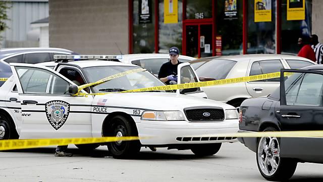 Auf Spurensuche: Polizisten in North Charleston nach der Tötung