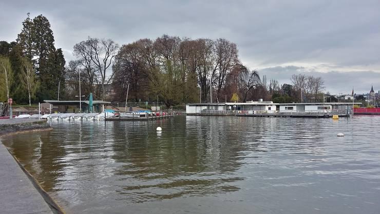 Der Gemeinderat von Uetikon am See möchte Bauland am Seeufer kaufen. (Symbolbild)