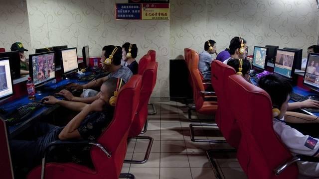 Blick in ein Internet-Café (Archiv)
