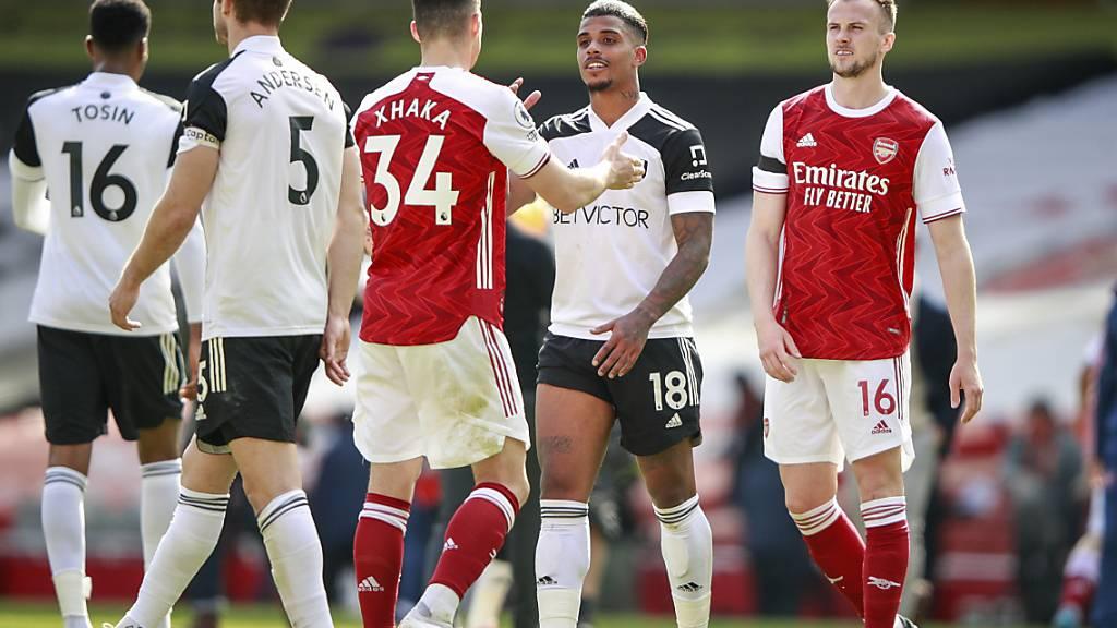 Arsenal und United mühen sich gegen Abstiegskandidaten ab