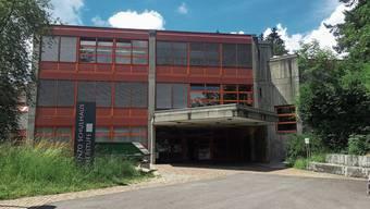 Alle Schulstufen der Oberstufe unter einem Dach, darauf war man in Menziken stolz. Jetzt zieht die Bez nach Reinach.