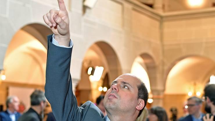 Für den Zürcher SVP-Präsident Mauro Tuena waren die Resultate am Sonntag kein Grund zur Freude.