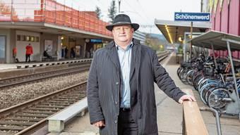 «Wir wollen den Bahnhof aufwerten»: Gemeindepräsident Peter Hodel im heutigen Bahnhof Schönenwerd.