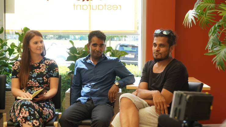 Vivek Nema (ganz rechts) sprach offen über seine Kindheit in Indien, wo er als Kind alle seine Geburtstagsgeschenke den Waisenkindern schenkte. Später hat er in Rumänien ein Waisenhaus gebaut und unterstützt.