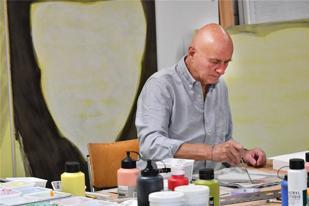 Marcel Peltier arbeitet in seinem Atelier in der Ateliergemeinschaft in Olten