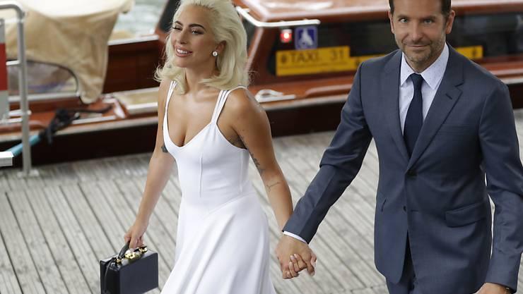 """Lady Gaga und Bradley Cooper treffen zur Premiere ihres gemeinsamen Films """"A Star Is Born"""" am Lido in Venedig ein."""