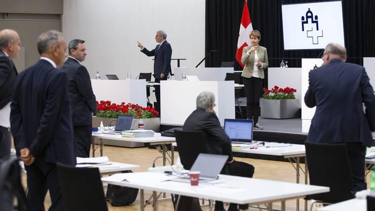 Die Parlamentarier stimmen im provisorischen Ständerat ab – bei den Gewerbemieten kam es jedoch nicht zu einer Einigung.