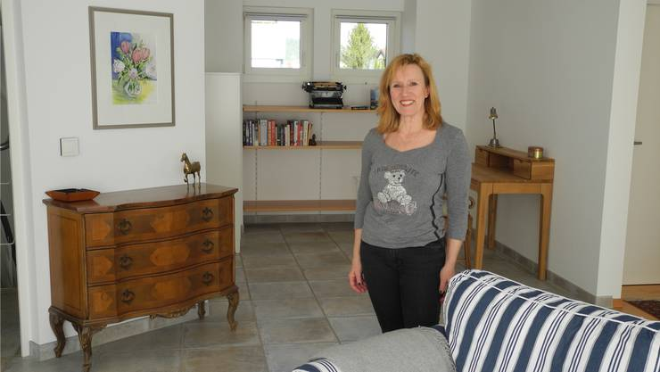 Franziska Weber vermietet eine 2,5-Zimmer-Wohnung.