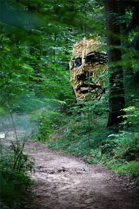 Vorderansicht «Mr Imgrün» von Simon Berger, alles aus Holzlatten.