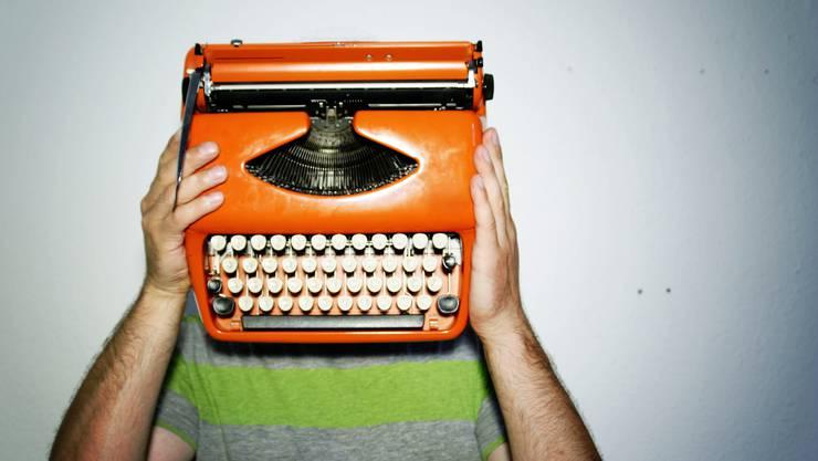 Sieben Schreibkünstler erhalten Unterstützung für ihre Arbeit.