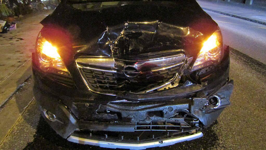 Zwei Mal Totalschaden und ein verletzter Autofahrer: Das ist die Bilanz eines Auffahrunfalls am Montagabend in Näfels.