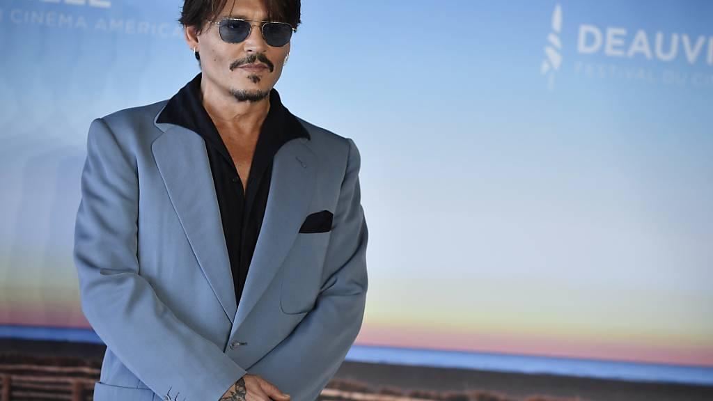 Erhält von seinem Ex-Anwalt eine zweistellige Millionensumme: US-Filmstar Johnny Depp. (Archivbild)