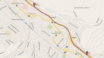 Auf diesem Streckenabschnitt der A22 bei Liestal wird der Zustand der Strasse geprüft.