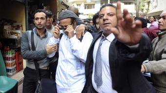 Regimekritiker Ahmed Maher (mit Sonnenbrille) am Samstag