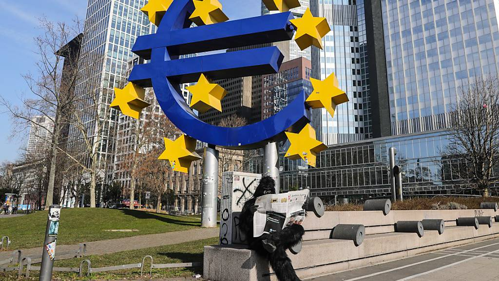 EZB legt Notkaufprogramm in Höhe von 750 Milliarden Euro auf